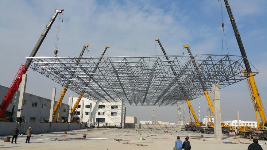 大季家再生资源290吨网架吊装